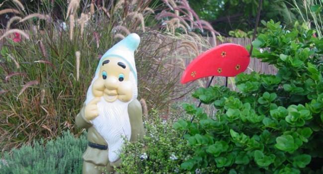 L 39 histoire des nains de jardin le journal du jardin - Petit nain de jardin toulouse ...