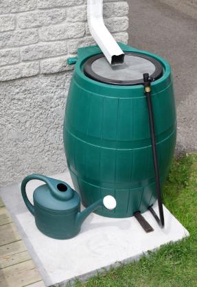R cup rer de l 39 eau de pluie comment r cup rer l 39 eau de pluie le journal du jardin - Recuperer l eau de pluie ...