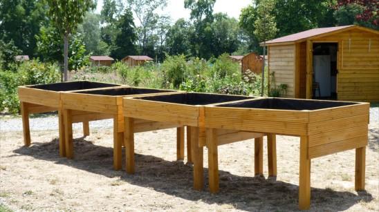 Le handi jardinage une belle initiative for Jardiniere en bois pour potager