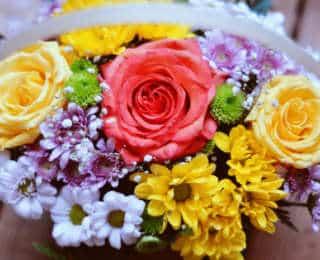 Pourquoi offre-t-on des fleurs aux personnes que nous aimons?