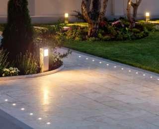 Éclairer le jardin : les coûts