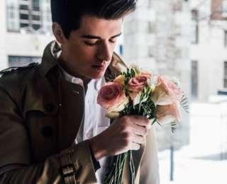 Guide des fleurs à offrir à un homme : Types, couleurs, formes